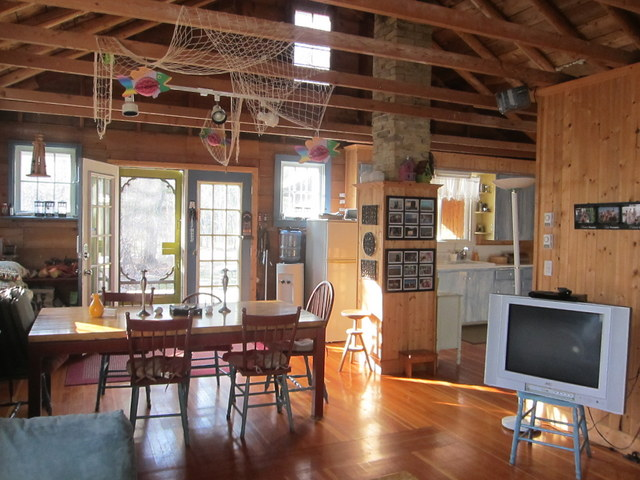 Sold: Seasonal Cottage: 117 Centre Avenue Victoria Beach