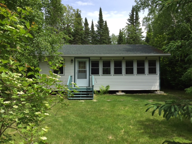 Sold: Seasonal Cottage: 305 5th Ave Victoria Beach Manitoba