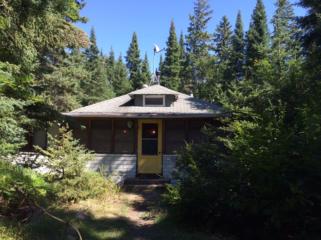 Sold: Seasonal Cottage: 311 4th Ave REDUCED Victoria Beach
